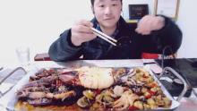 小伟带你吃海鲜大餐
